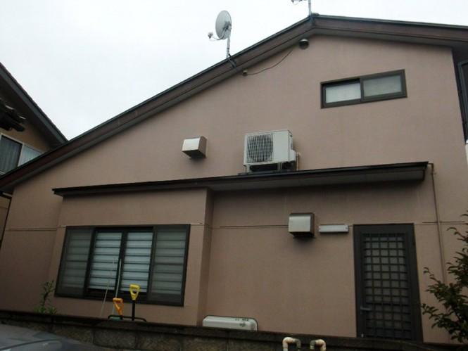 屋根と外壁に遮熱効果のあるアステックペイントのIRグロスとEC-2000F IRを使用しました。外壁は暖かみのあるモカを選ばれ、印象もより明るくなりました。